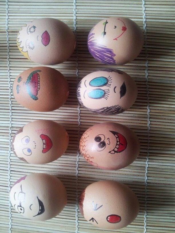 Lustige Eier Gesichter zu Ostern basteln