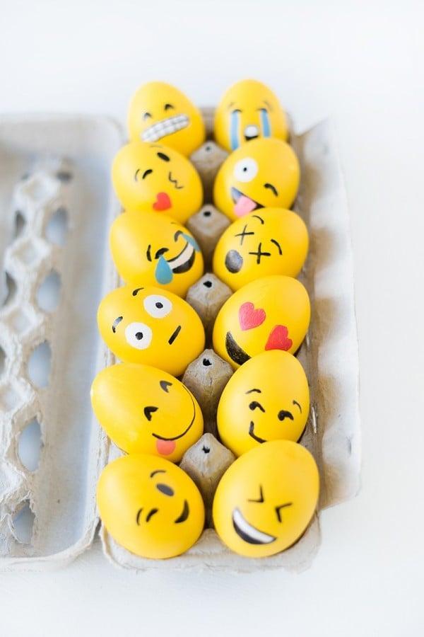Küssen, Zwinkern, Tränen, Lächeln, Erstaunen - alle Emotionen auf Ihre lustigen Eier Gesichter