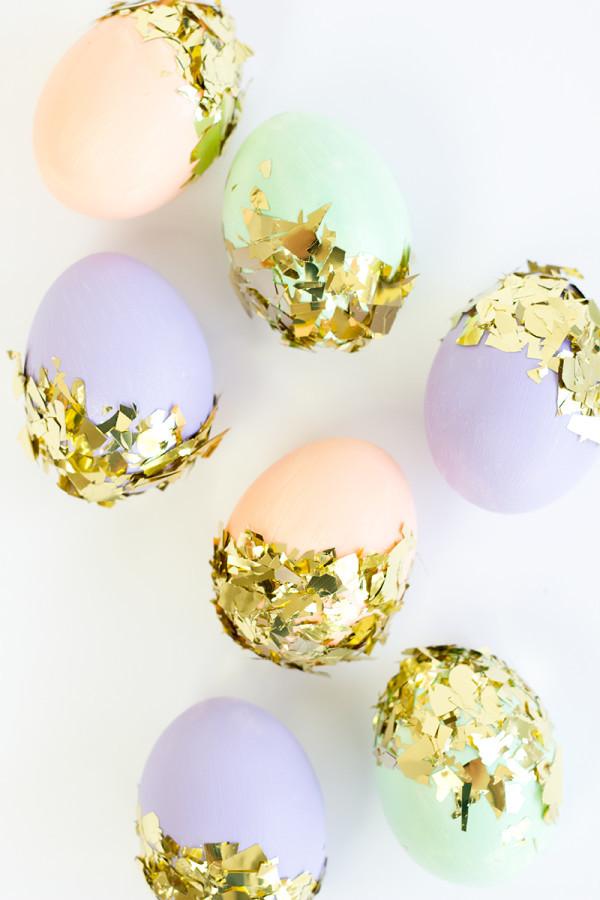 Technik #3, wie Sie die Ostereier ohne Farben färben können