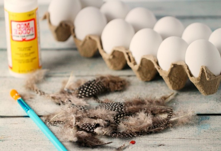 Die notwendige Materialien für unsere fünfte Technik für Ostereier ohne Farbe Färben