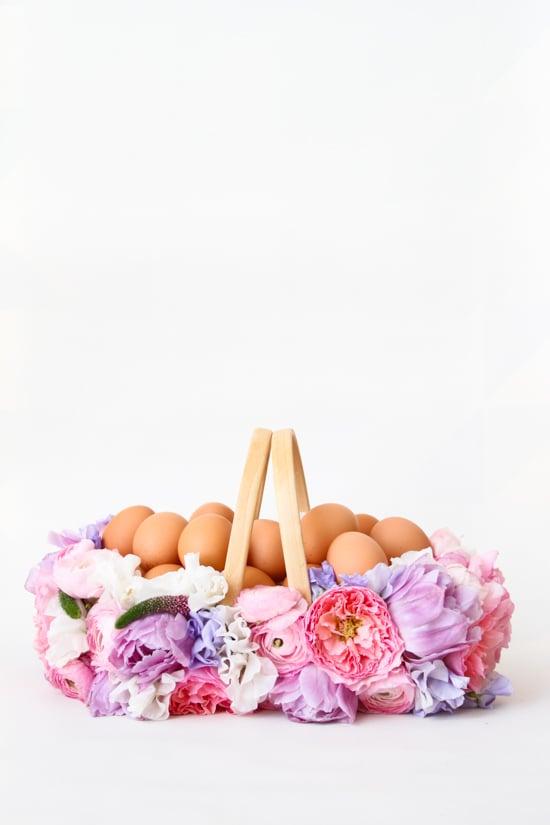 Osterkorb basteln mit Blumendeko
