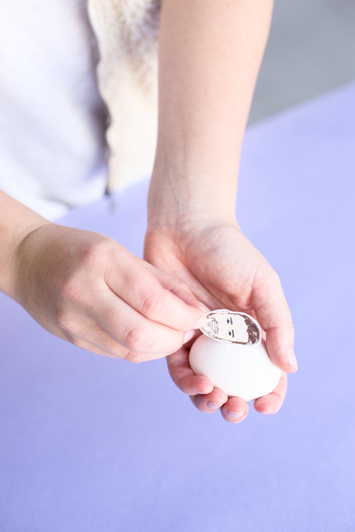 Ostern von Promis: Anleitung Ostereier mit Gesichter