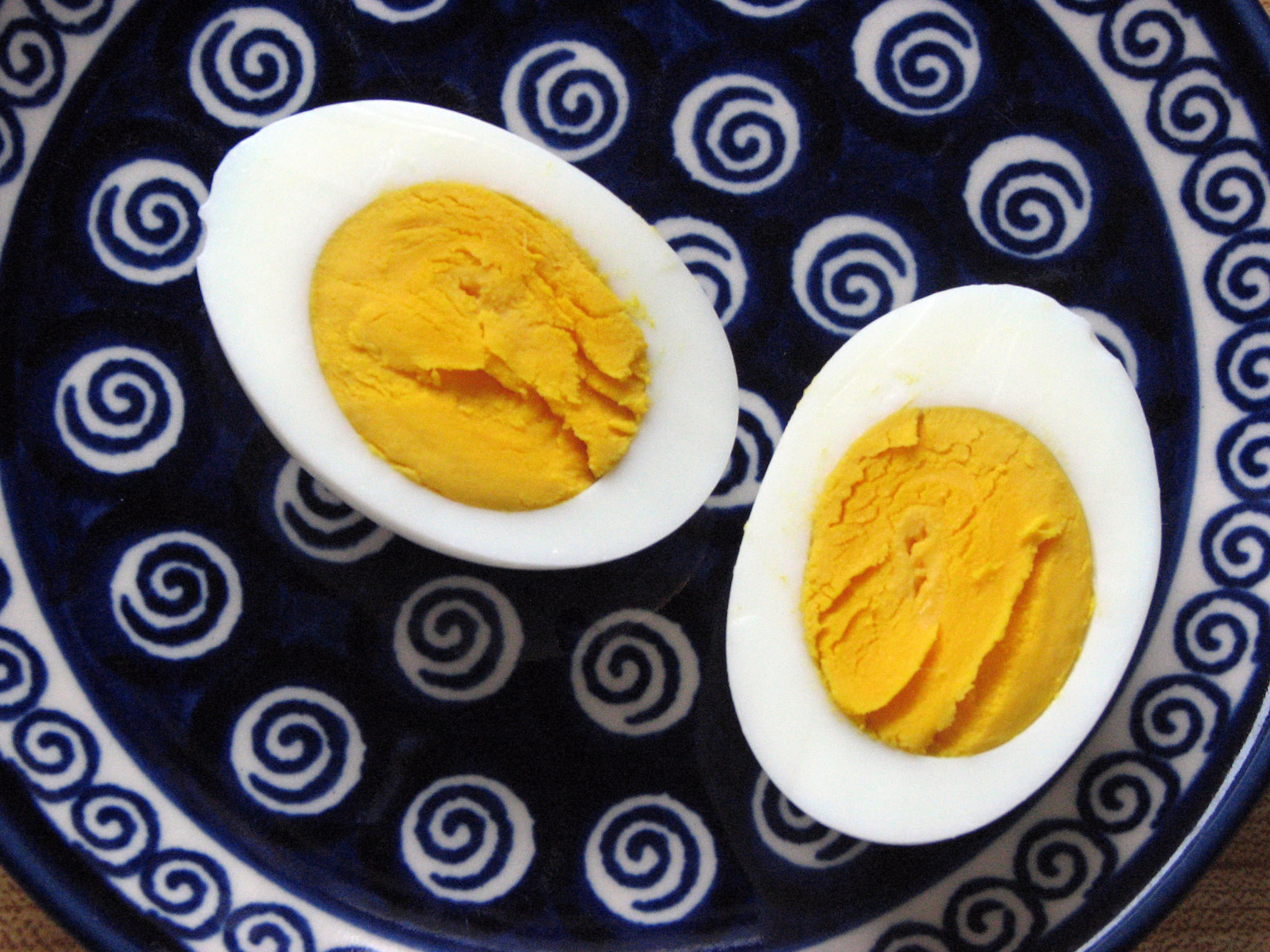 Wie schaffe ich hart gekochte Eier
