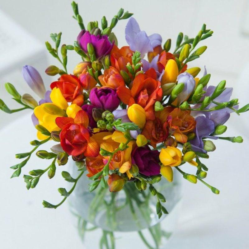 Bastelideen Frühling kreative Ideen Blumengestecke