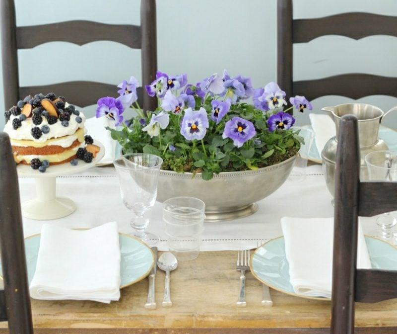 Bastelideen Frühling Tischdeko frische Blumen
