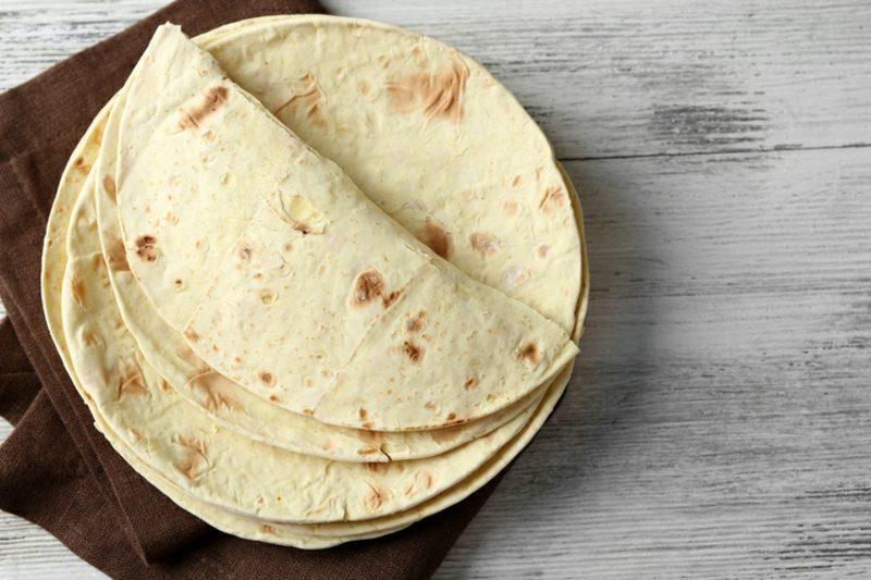 Jamie Oliver 15 Minuten Rezepte Salat mit gebackenen Tortillas