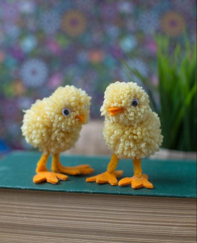 DIY Bastelideen Ostern für Kinder - Gestalten Sie Haustiere aus Wolle