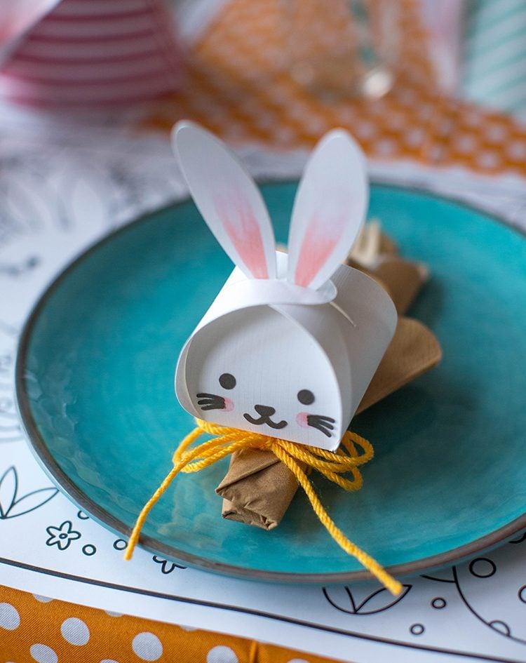 Bastelideen Ostern: DIY niedliche Kästchen in Form von Osterhasen