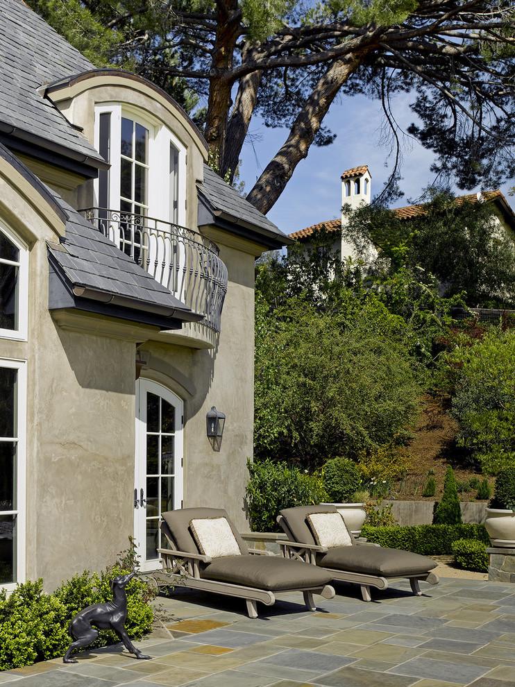 Französischer Balkon mit Absturzsicherung Fenster