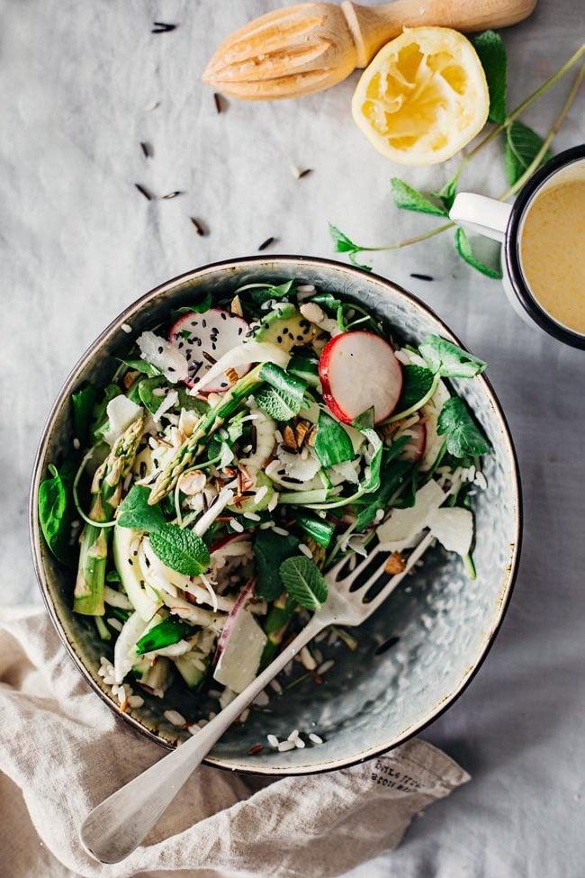 Der zweite Frühlingssalat: Wie zubereiten Sie richtig das Rezept?