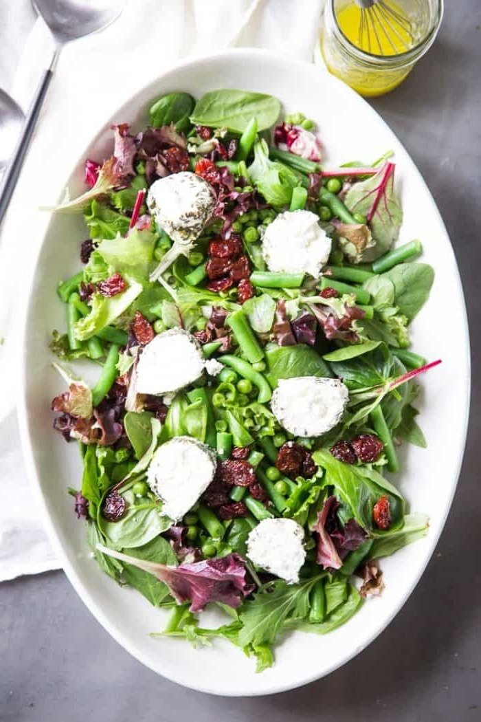 Leckere Rezepte für Frühlingssalat mit Käse