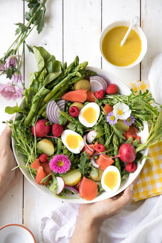 Der beste Frühlingssalat mit Eiern für Ostern