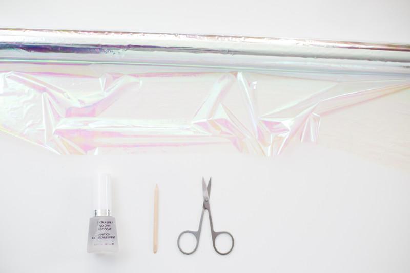 Die notwendigen Materialien für Ihre auffallende Glas-Maniküre weiter:
