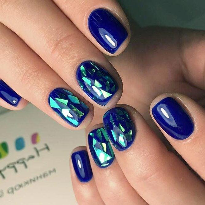 Glitzer Gelnägel mit Glas-Effekt in Blau