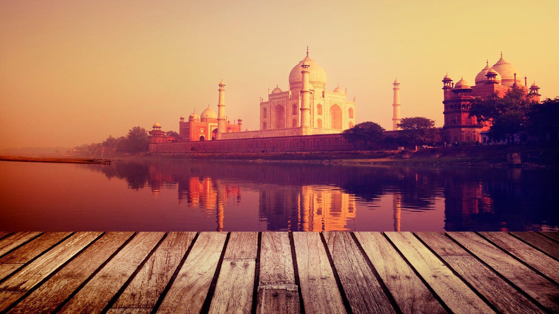 Träumen Sie davon, einen Ort voller Geheimnisse zu besuchen? - Indien lag träumend da! Wer auf der Suche nach neuen Emotionen und Erlebnisse ist, der findet die Reiseinformation und Tipps für ein unvergessliches Indien Reisenin unserem Artikel als hilfreich.