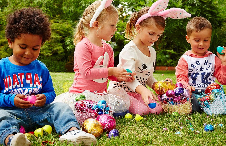 Am Ostermontag lustige Kinderspielen zu organisieren