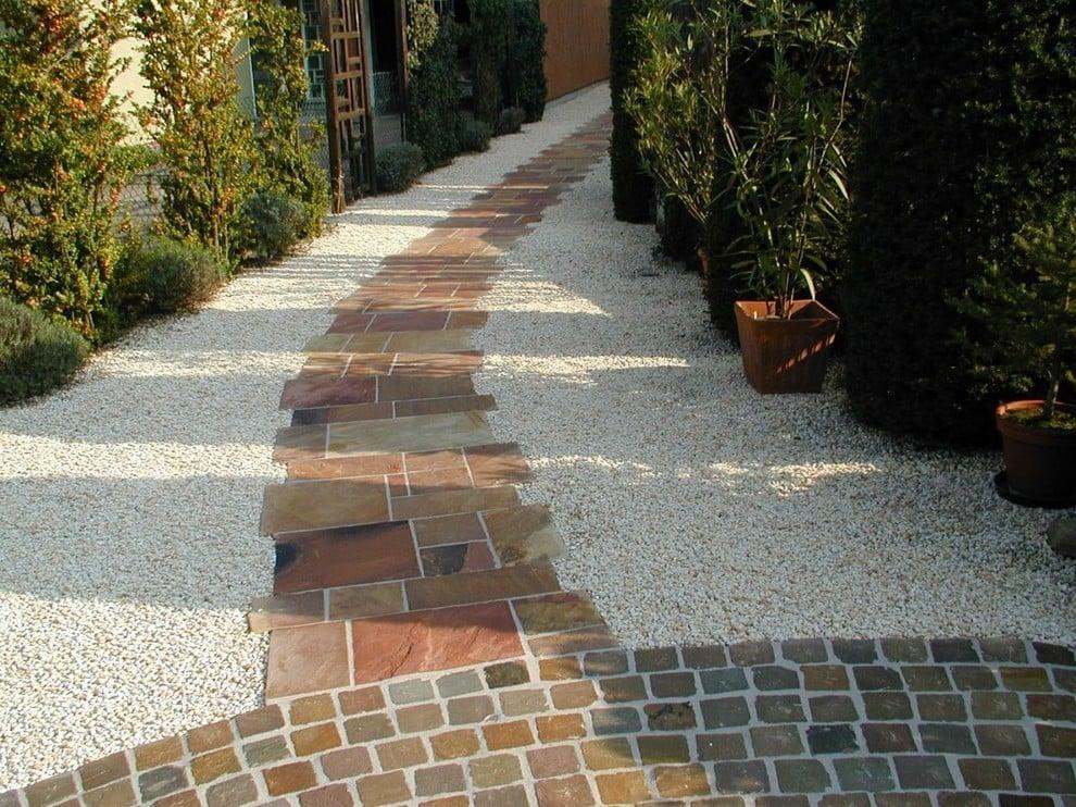 Vorgartengestaltung: Kreieren Sie schöne Alleen, um Symmetrie zu schaffen