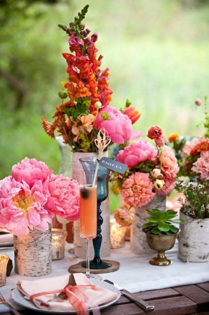 Blumengestecke arrangieren Pfingstrosen und Peonien