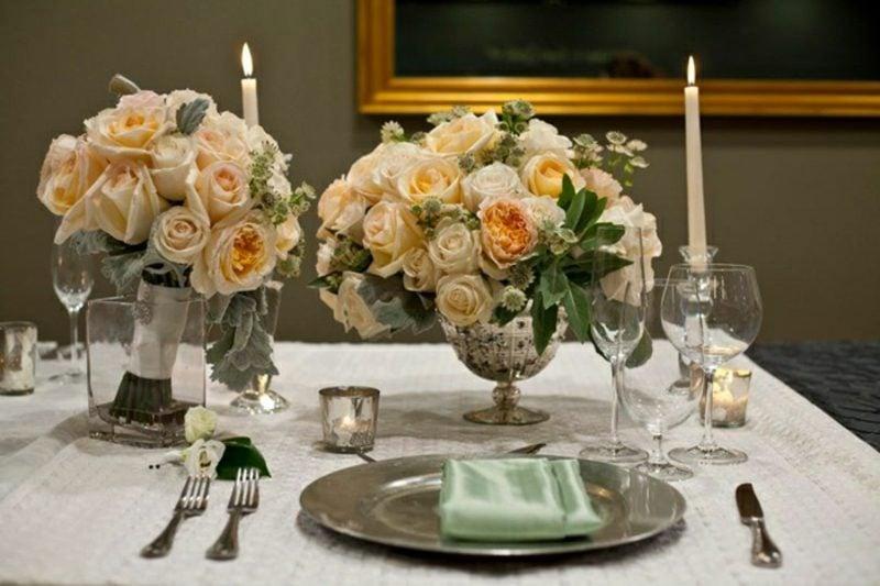Blumengestecke Rosen Kerzen Tischdeko