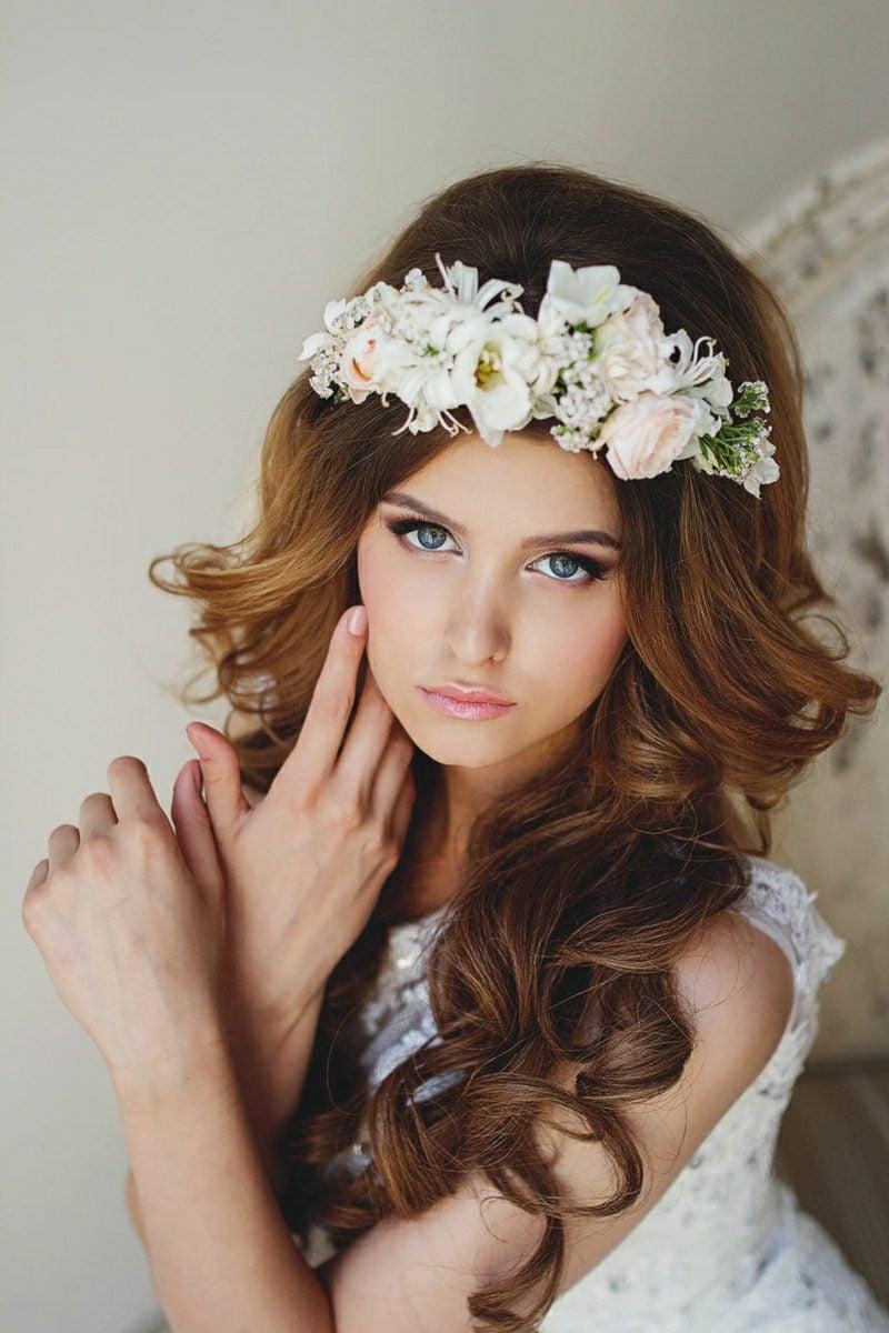 Braut Make up blaue Augen Haare offen