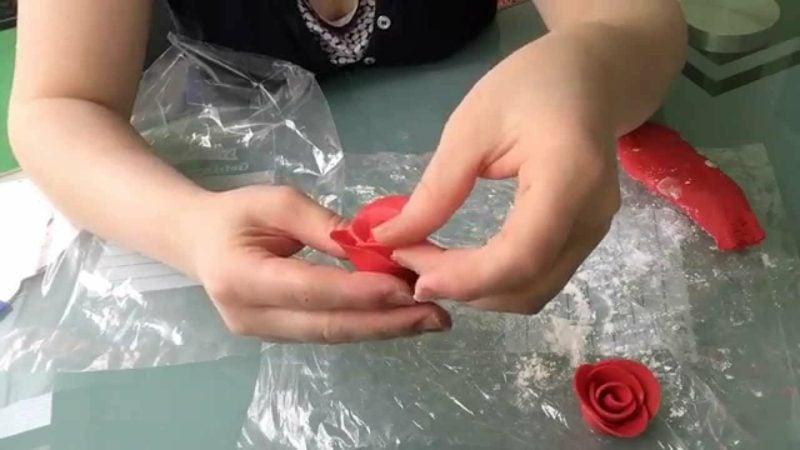 Torten dekorieren Marzipan Rosen