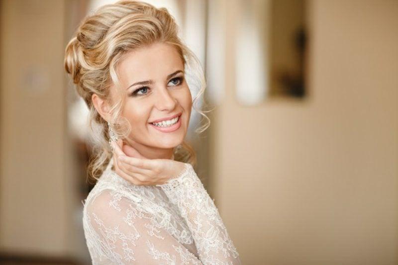 Braut Make up Grundierung auftragen
