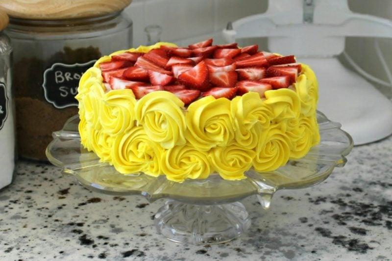 Torten dekorieren herrliche Ideen mit Buttercreme