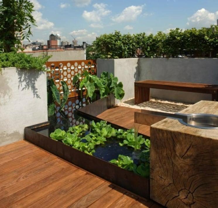 Balkonideen für wenig Geld: Mini-Teich im Topf