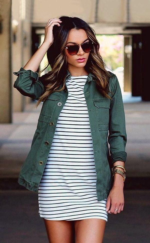 Die meisten Frauen sind in den Trend total verlieben, weil die Längsstreifen die richtigen Akzente Ihrer Kleidung setzen und auch die Problemzonen besonders gut kaschieren können.