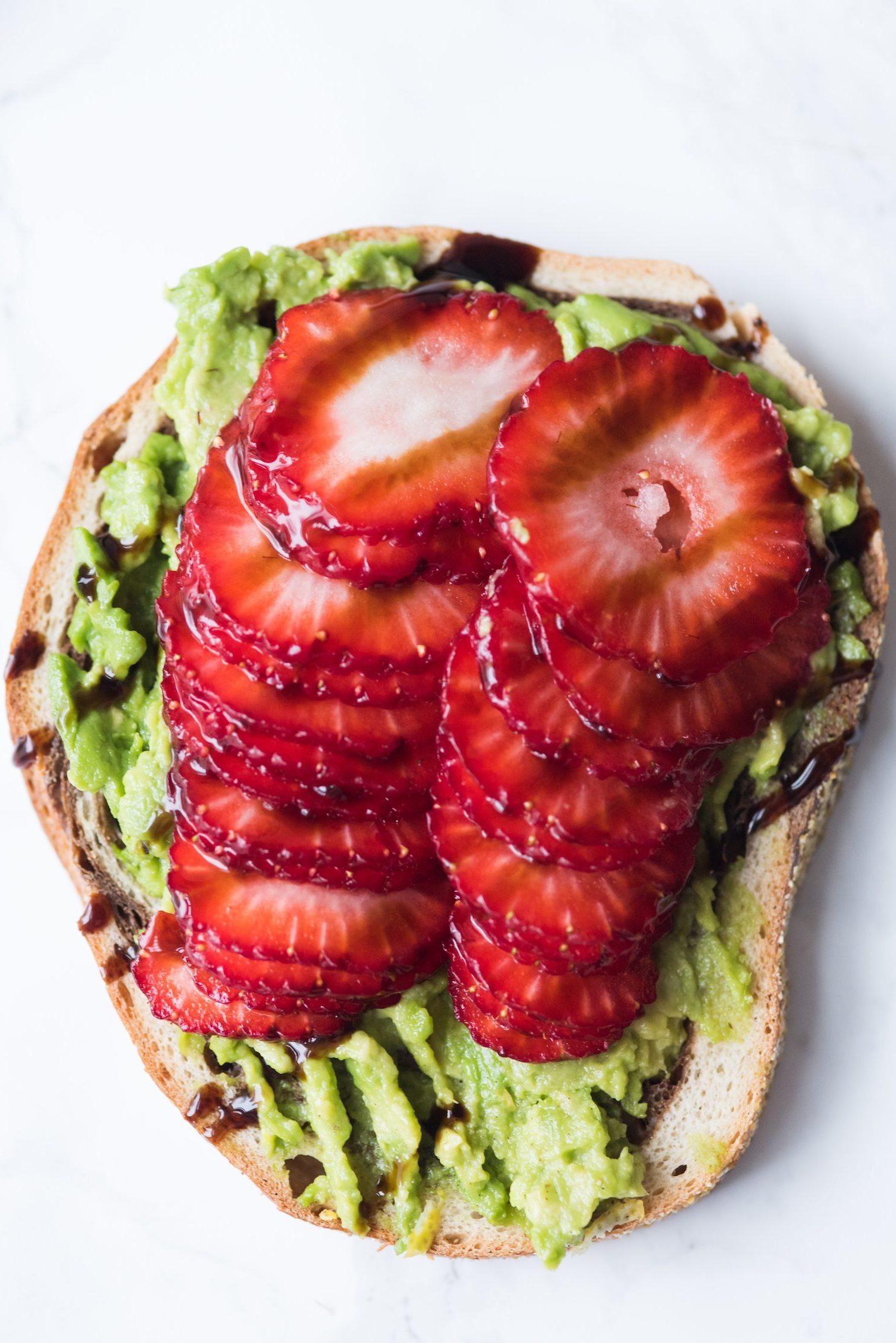 Sommer Rezepte Finger Food Erdbeeren Avocado