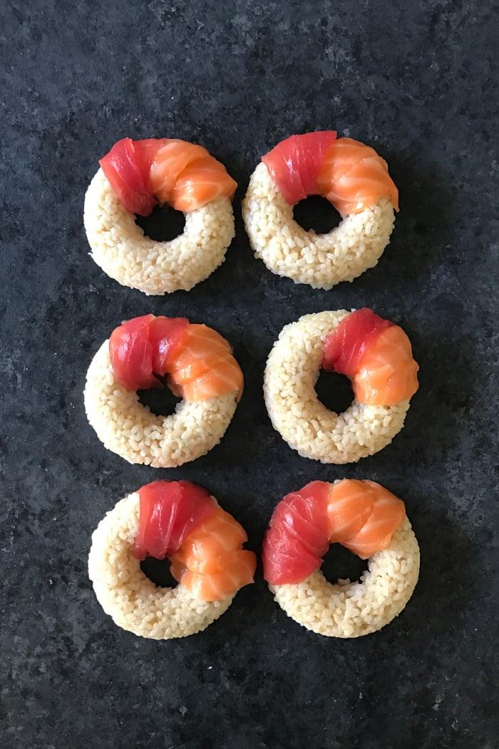 Neue Sushi Arten mit Fischen zubereiten