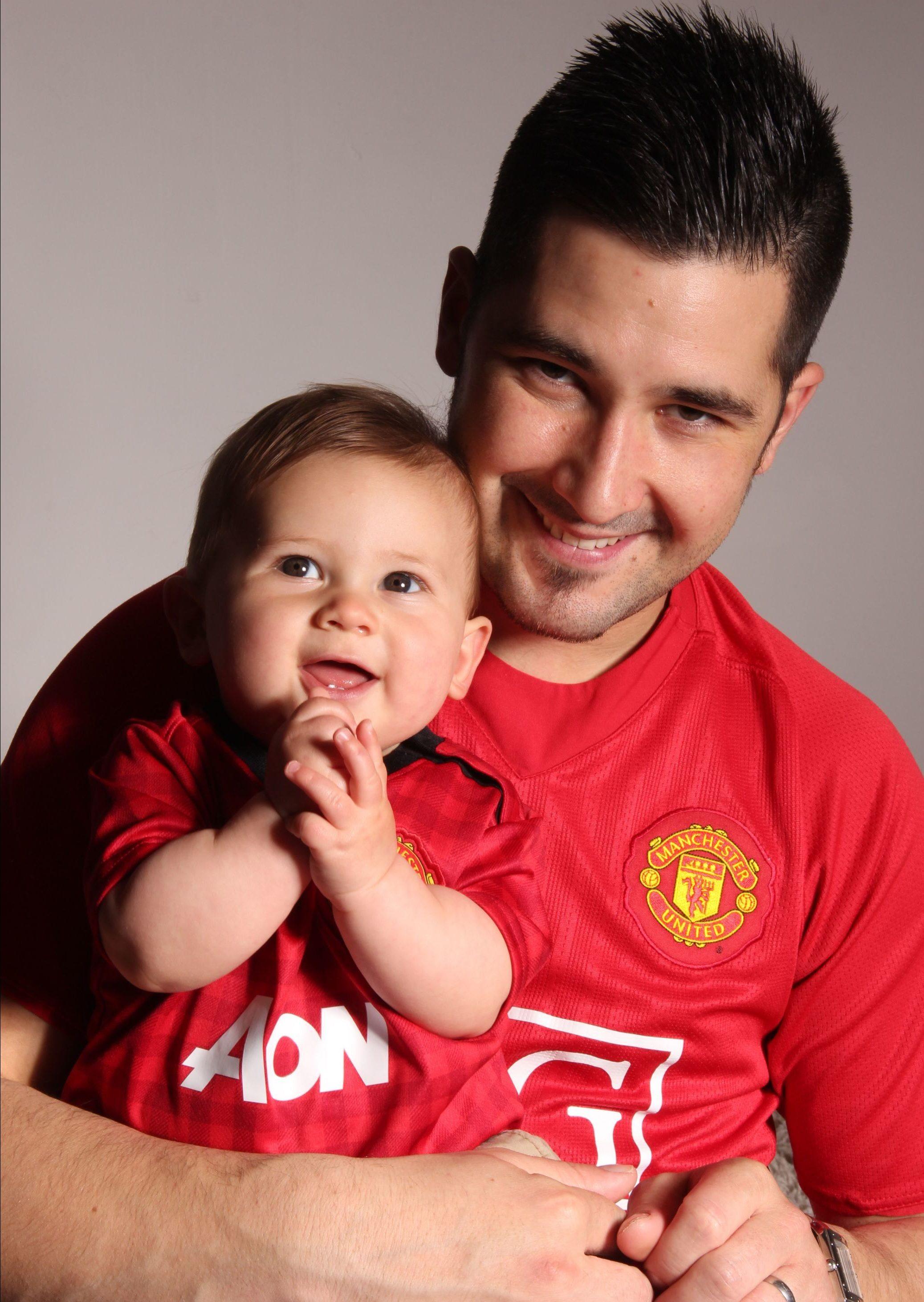 Vatertag Bilder: Vater und Sohn sind Manchester United Fans