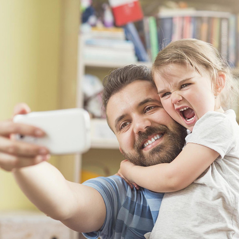 Die schönsten Vatertag Bilder: Machen Sie lustige Selfies