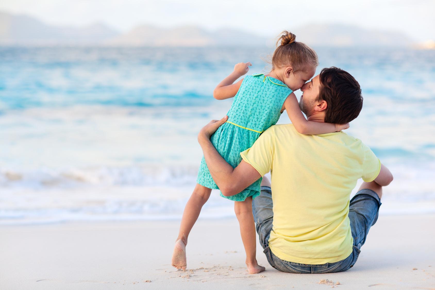 Die beste Ort für einige schöne Vatertag Bilder ist der Strand