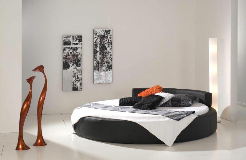 rundes Bett in Schwarz Schlafzimmer minimalistisch