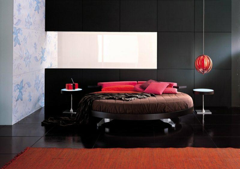 rundes Bett gepolstert Akzente in Rot