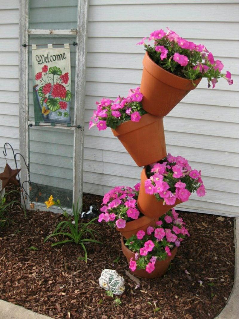 Gartenideen für wenig Geld Blumentupm bauen
