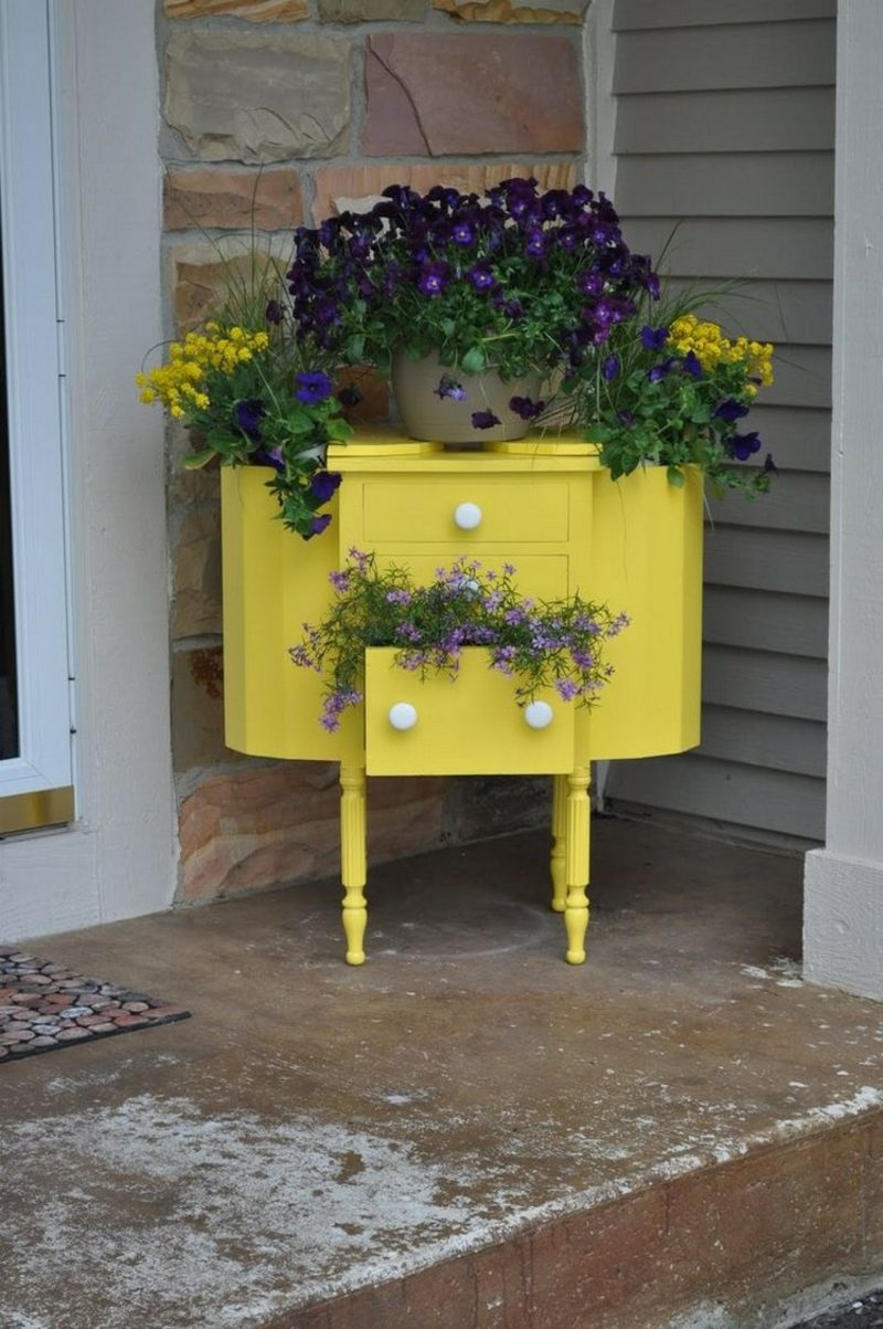 Gartenideen für wenig Geld Kommode Upcycling