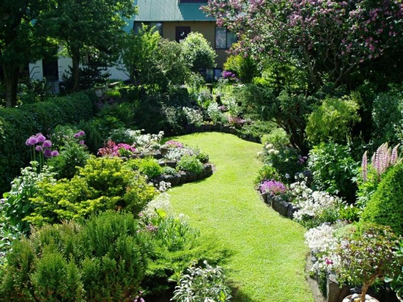 Gestaltung kleiner Garten Tipps Pflanzenauswahl