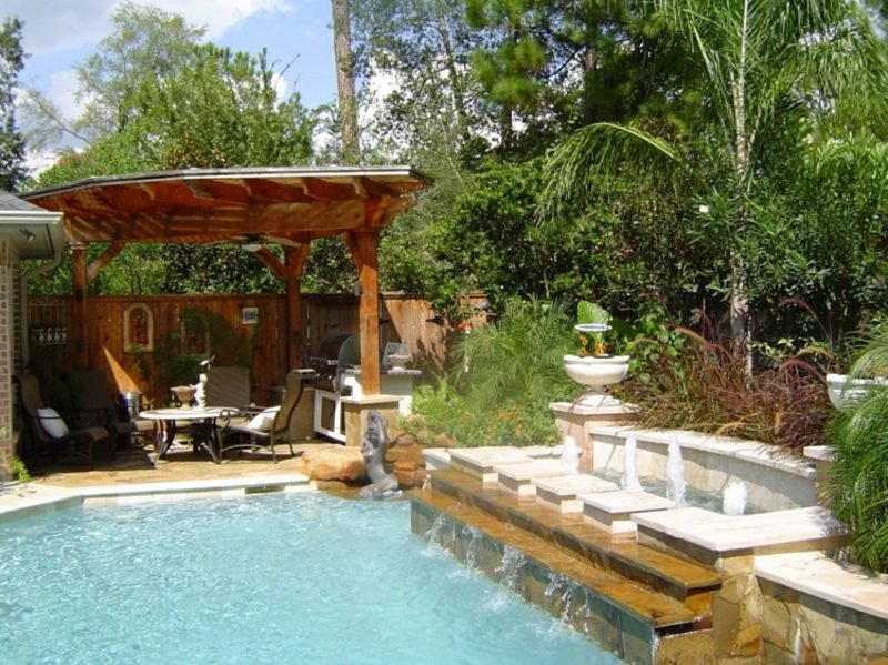 Gestaltung kleiner Garten mit Pool herrlicher Look