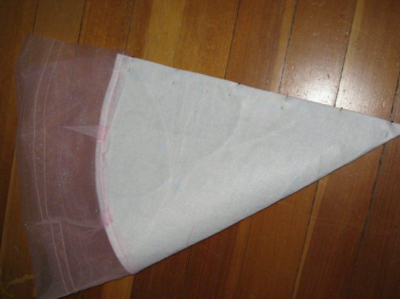 Schultüte basteln aus zwei Stoffarten