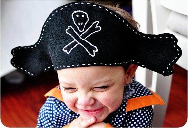 Bastelideen für Kinder: DIY Piratenhut aus Filz