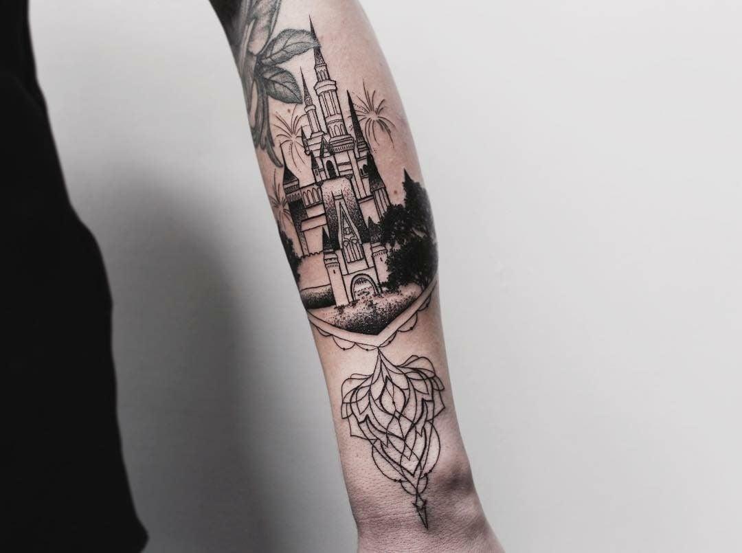 50 disney tattoos f r diese die nicht erwachsen werden wollen tattoos zenideen. Black Bedroom Furniture Sets. Home Design Ideas