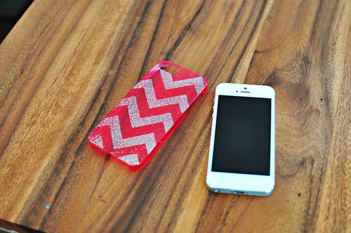 Handyhülle selber Gestalten: Die geometrischen Muster sind immer trendy