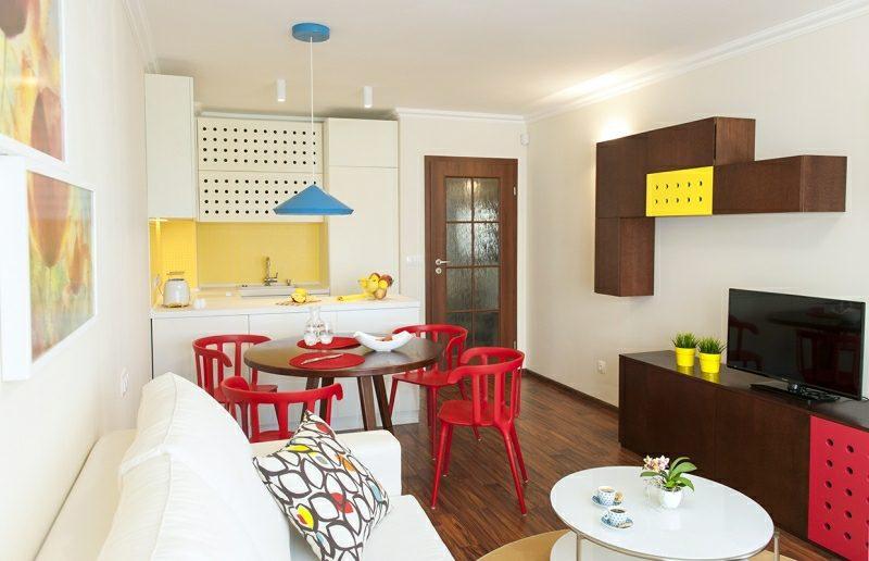 Fantastisch Kleine Küchen Bunte Akzente Stilvoll