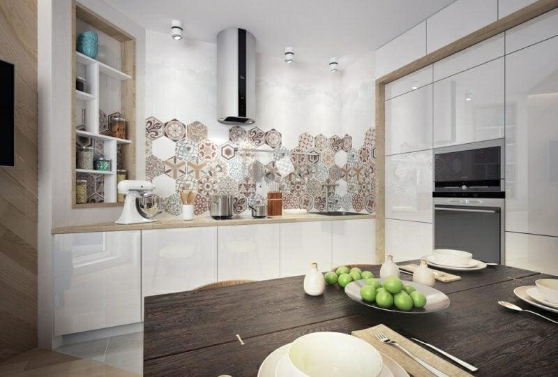 kleine Küchen einrichten originelle Akzentfliesen