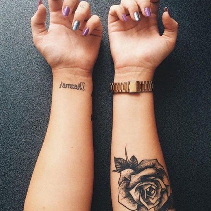Über 50 Ideen für Blumen Tattoo Schwarz und Weiß