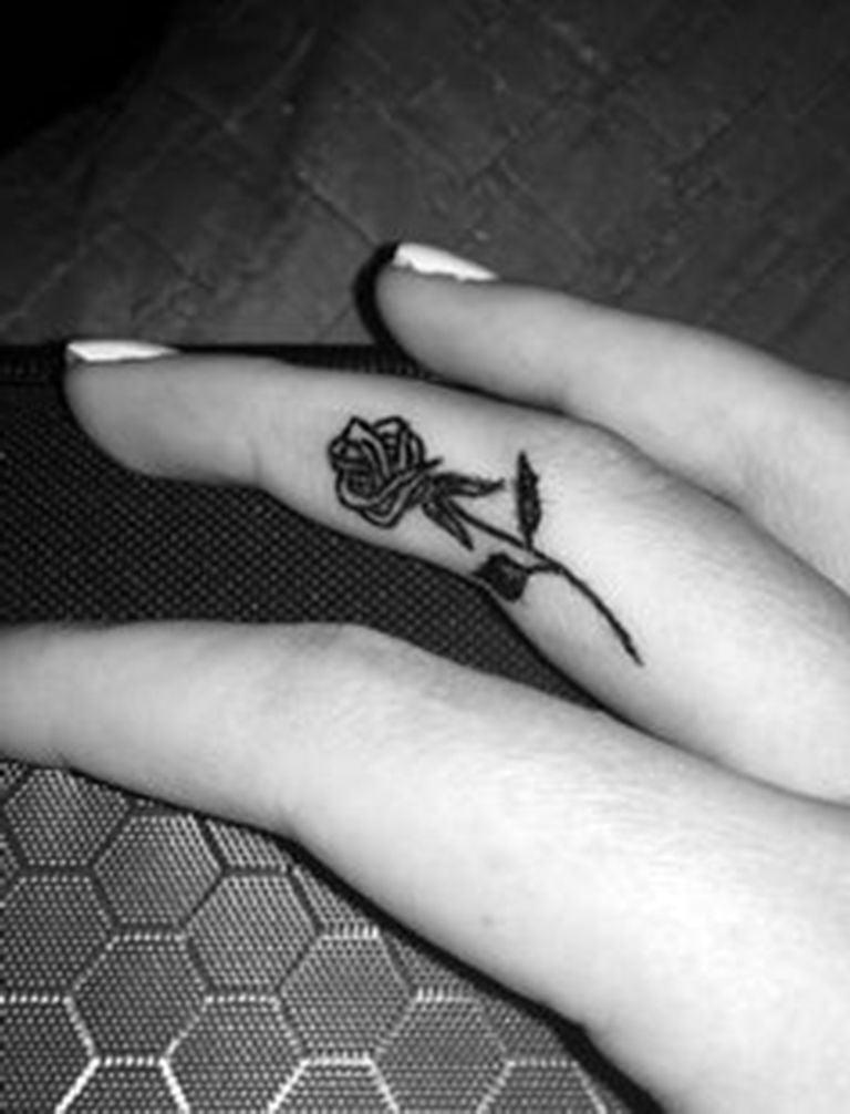 Ideen für kleine Tattoos mit Rosen