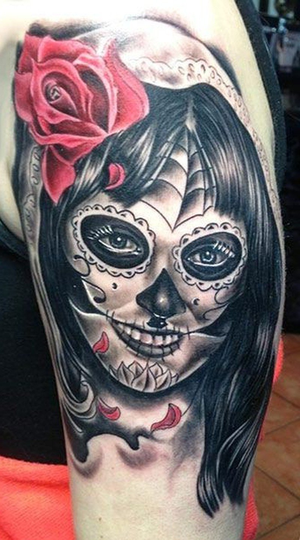 La Catrina mit Rosen Tattoo