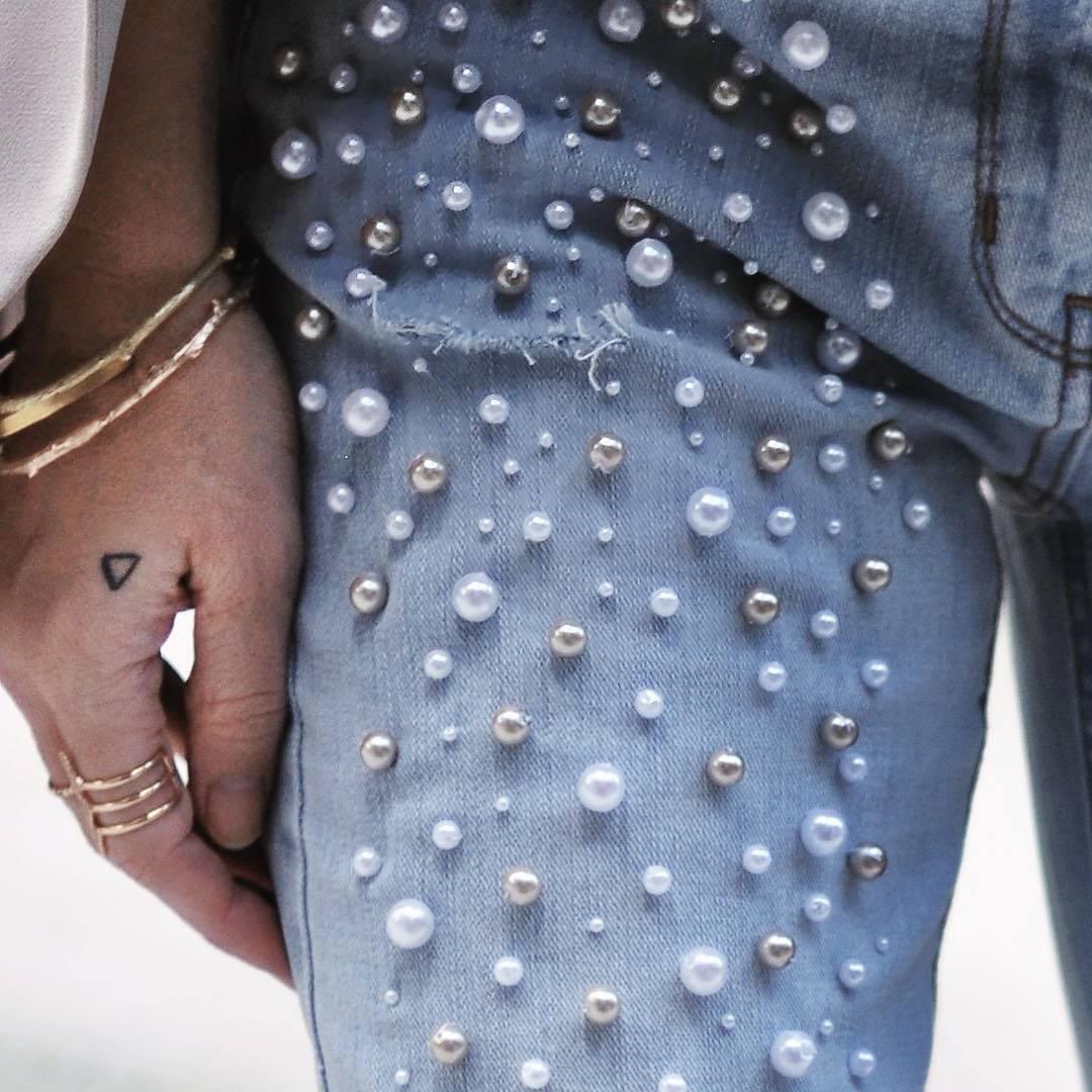 Zalando Hosen mit Perlen selber machen? Kein Problem, erfahren Sie hier, wie es gemacht ist.
